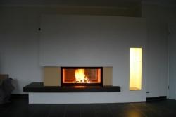 Referenzobjekt - Tunnelkamin mit keramischem Feuertisch